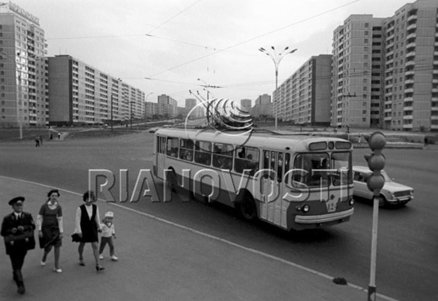 718577 01.05.1975 Бульвар Советской Армии в городе Кишиневе И. Кибзий/РИА Новости