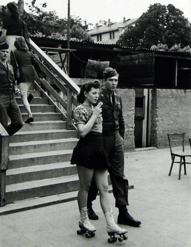old-photos-vintage-war-couples-love-romance-36-57334698d02b4__880