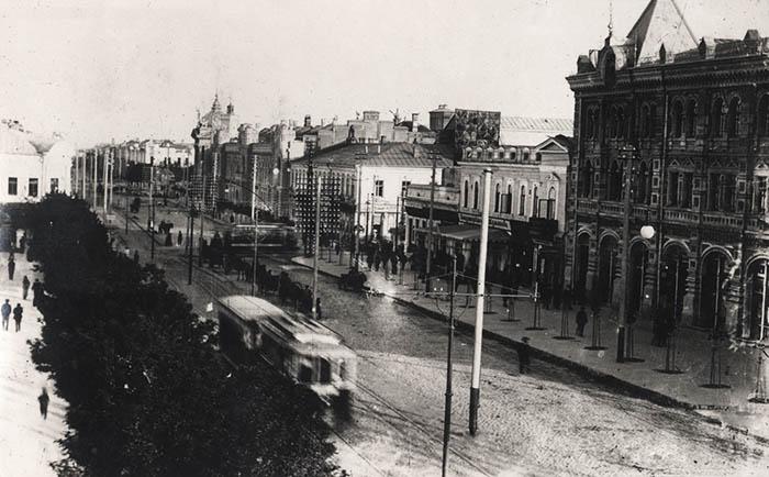 Александровская улица и трамваи. Фото: oldchisinau.com
