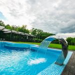Место под солнцем: загородные места для отдыха с бассейнами