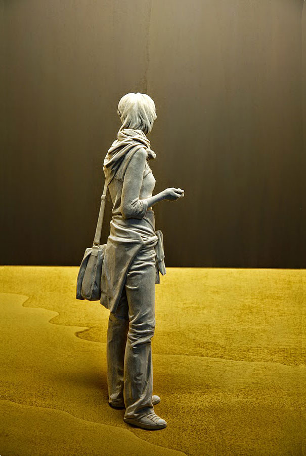 life-like-realistic-wooden-sculptures-peter-demetz-3