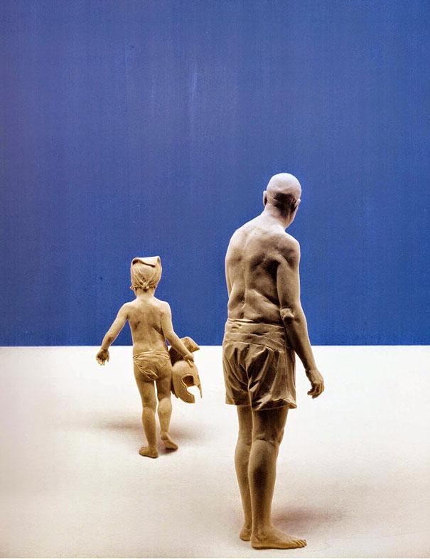 life-like-realistic-wooden-sculptures-peter-demetz-5