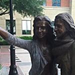 В Техасе установили первый памятник селфи