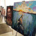 """Artista Nicoleta Vacaru și-a prezentat expoziția """"Emoții"""" în incinta Guvernului RM"""