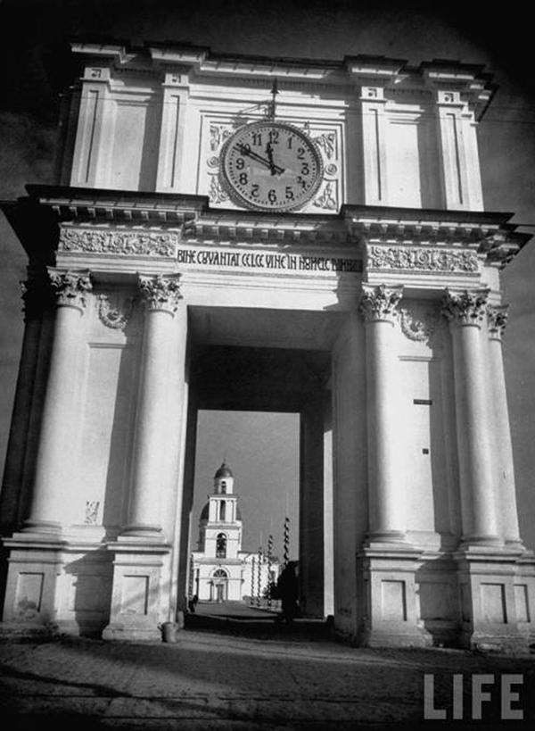 Триумфальная арка в Кишиневе в феврале 1940 г.