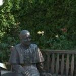 В Кишиневе установили памятник Папе Римскому Иоанну Павлу II