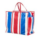 В новую коллекцию Balenciaga попала «базарная» сумка за 2 тыс. долл.