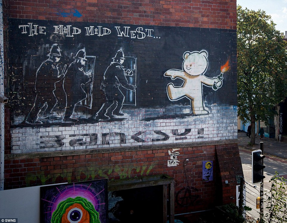 37CB70DC00000578-3769115-Star_The_Bristol_street_artist_came_to_the_public_s_attention_ba-a-45_1472744285407