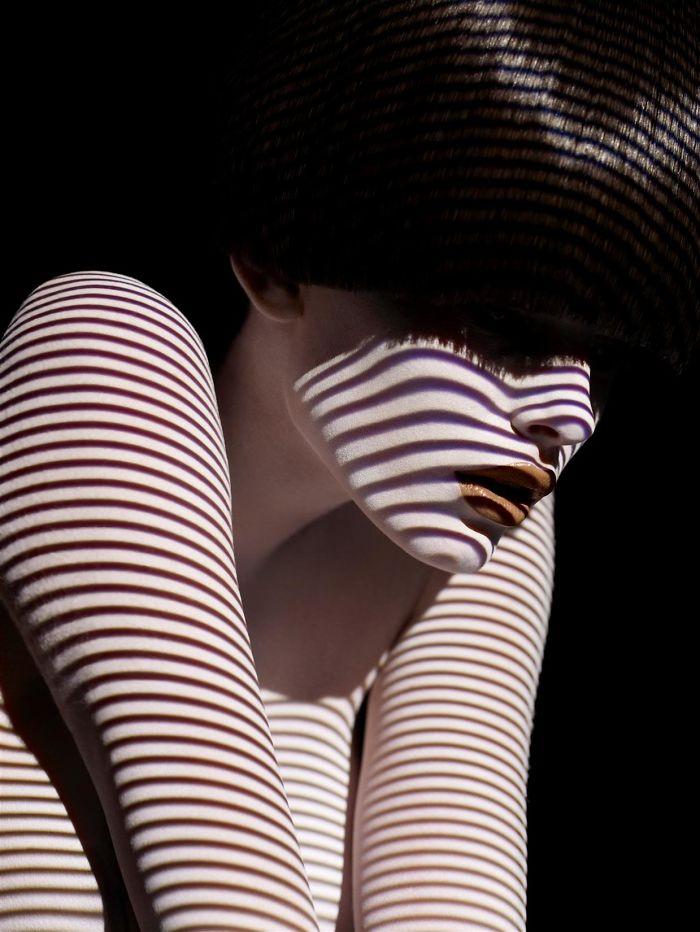 creative-hard-shadow-photography-18-57e23e0e8ce45__700