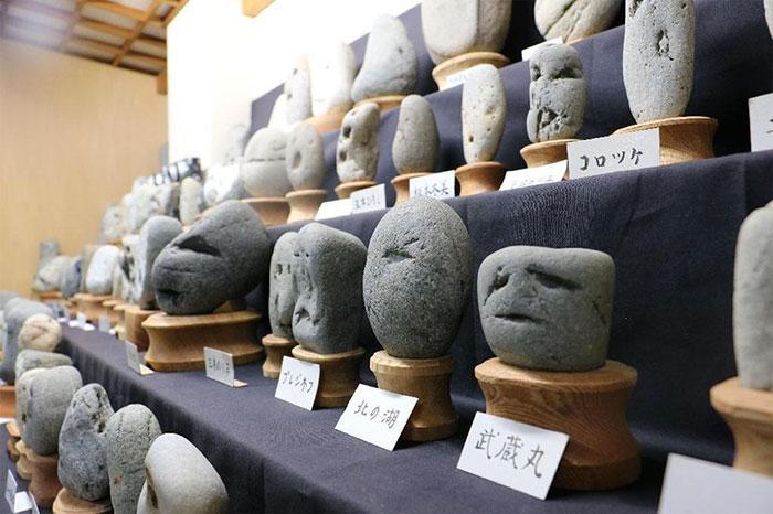 rocks-look-like-faces-museum-chinsekikan-hall-of-curious-rocks-japan-45