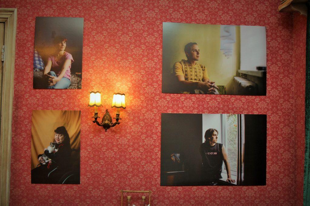 geam-session-expozitie-oameni-cu-dizabilitati-ramin-mazur-9