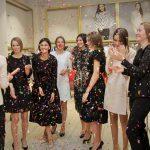 Ținute inspirate pentru Crăciun printre creațiile Sekana, Georgette și Premiera Dona