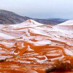 Фотофакт: В пустыне Сахара выпал снег