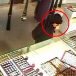 Видео: полиция просит помощи в опознании мужчины, ограбившего ювелирный магазин