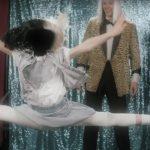 Sia выпустила клип на песню «Move Your Body» в стиле 80-х