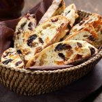 3 полезных продукта из миндаля и рецепты того, что можно из них сделать