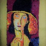 O moldoveanca recrează tablouri renumite din haine reciclate