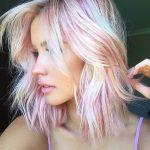 Голографическая прическа — новый тренд в окрашивании волос