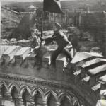 История одной фотографии: водружение знамени победы над примэрией