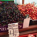 Фото дня: молдавская черешня на прилавке эстонского магазина