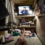 Жизнь в гонконгских гробах-квартирах