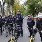 Молдавские полицейские начали патрулировать улицы на велосипедах