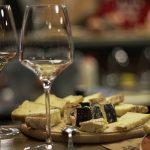 Французские сыры  + молдавские вина: как прошла дегустация «Le Fromage» в Invino
