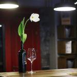 8 местных вин, которые создадут весеннее настроение