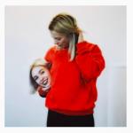 В инстаграме флэшмоб #GucciChallenge — все фотографируются с головами в руках
