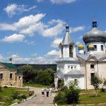 Маршрут на выходные: 5 причин обязательно поехать в монастырь Кондрица