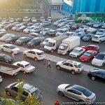 В Туркменистане запретят машины всех цветов, кроме белого