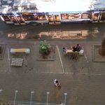 В центре Кишинева у Дома печати появились скамейки