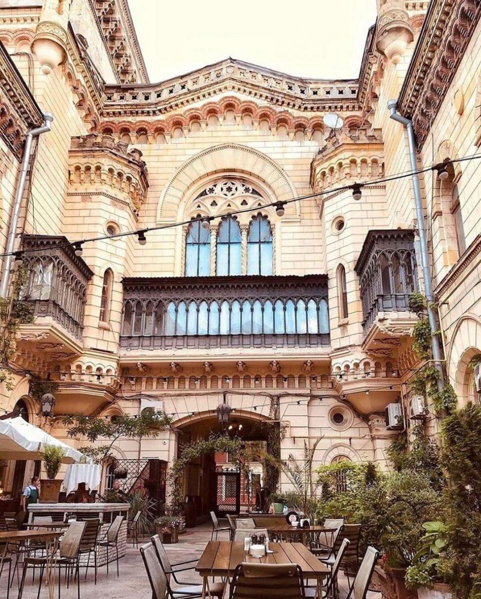 Одесский дворик